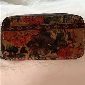 Handbags - Patricia Nash Flower Print Leather Wallet